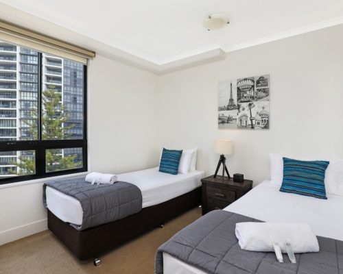 1-bedroom-Broadbeach-accommodation-neptune-resort-704-2