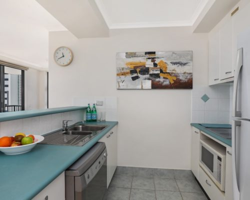 1-bedroom-Broadbeach-accommodation-neptune-resort-704-5