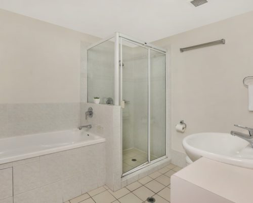 1-bedroom-Broadbeach-accommodation-neptune-resort5