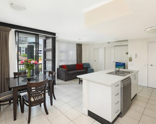 102-2-bedroom-broadbeach-accommodation-neptune-resort1