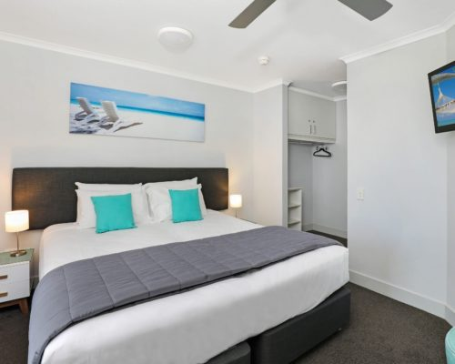 405-2-bedroom-broadbeach-accommodation-neptune-resort5