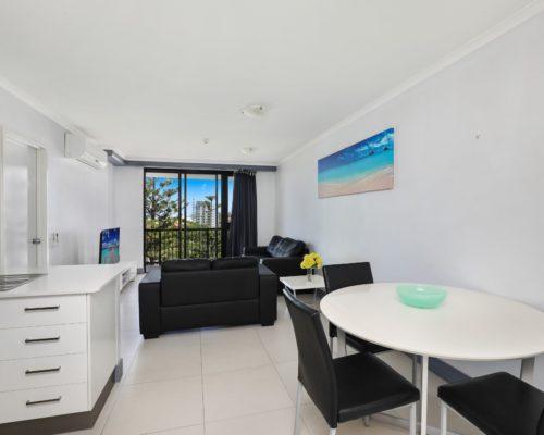 607-2-bedroom-broadbeach-accommodation-neptune-resort4