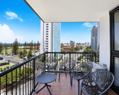 703-2-bedroom-broadbeach-accommodation-neptune-resort7