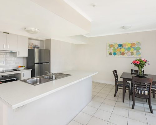 Broadbeach-accommodation-neptune-resort (2)