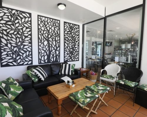Broadbeach-accommodation-neptune-resort-cafe4