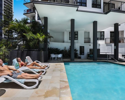 Broadbeach-accommodation-neptune-resort-swimming-pool5
