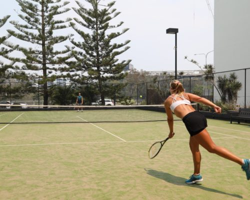 Broadbeach-accommodation-neptune-resort-tennis1