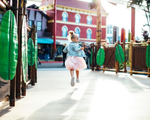 dreamworld-little-girl-in-pink-tutu-running